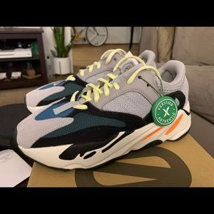 YEEZY 700 WAVE RUNNERS SIZE 6